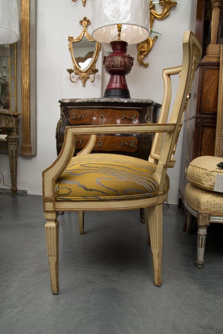 Italian Set of 10 Cream and Parcel Gilt Dining Chairs For Sale