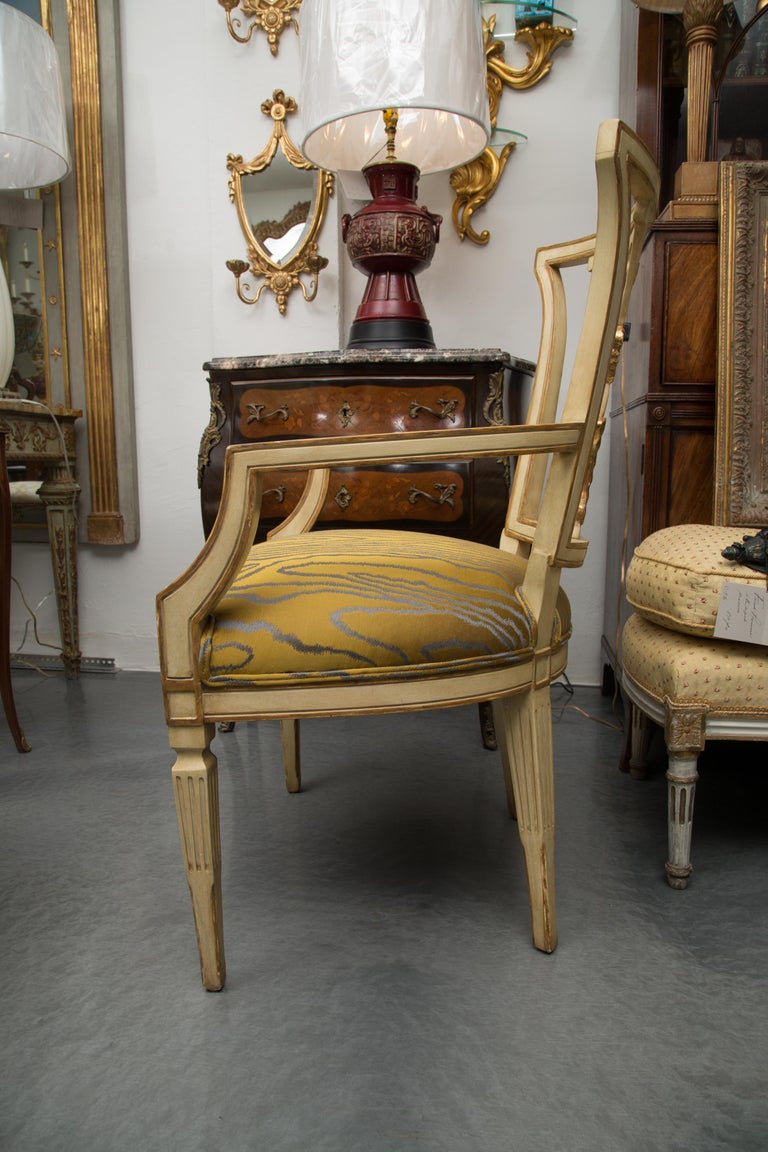 Set of 10 Cream and Parcel Gilt Dining Chairs In Good Condition For Sale In WEST PALM BEACH, FL