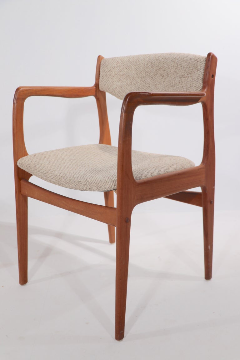 Set of 10 Danish Dining Chairs Att. to Erik Buch for Odense Maskinsnedkeri In Good Condition For Sale In New York, NY