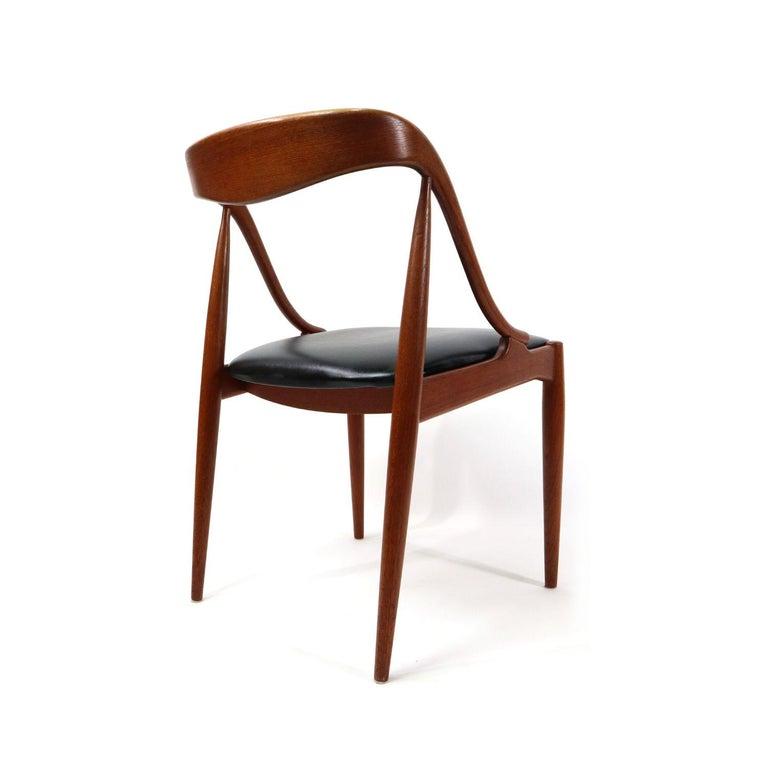 Set of 10 Johannes Andersen for Uldum Møbelfabrik Danish Teak Dining Chairs 4
