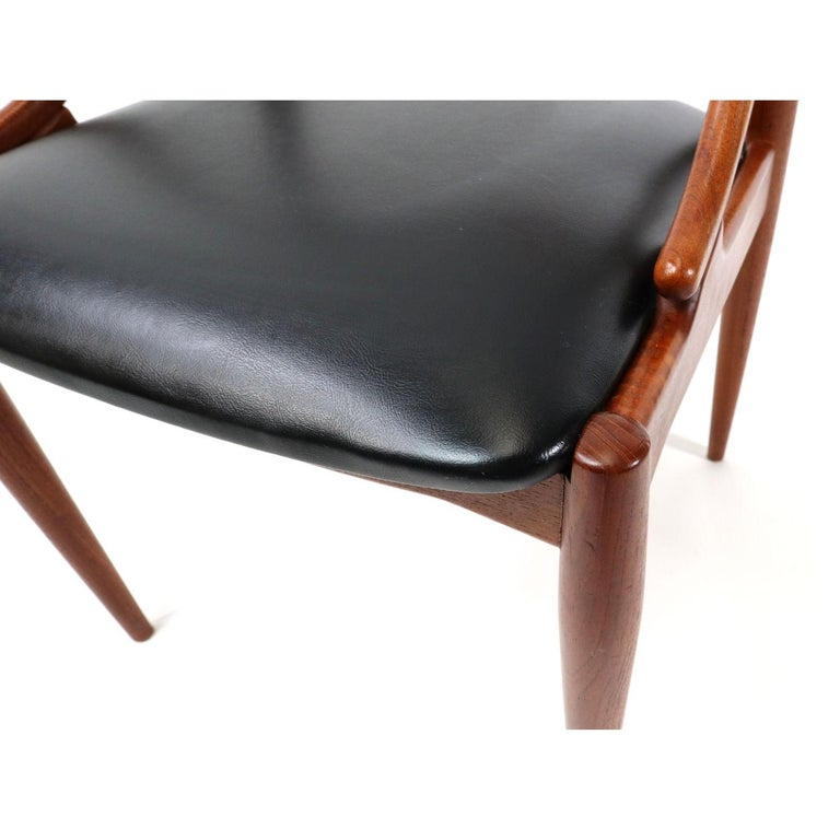 Set of 10 Johannes Andersen for Uldum Møbelfabrik Danish Teak Dining Chairs 3