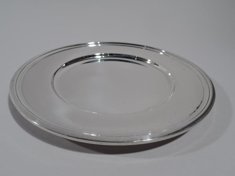Set of 10 Tiffany Modern Sterling Silver Bread and Butter Plates In Excellent Condition For Sale In New York, NY