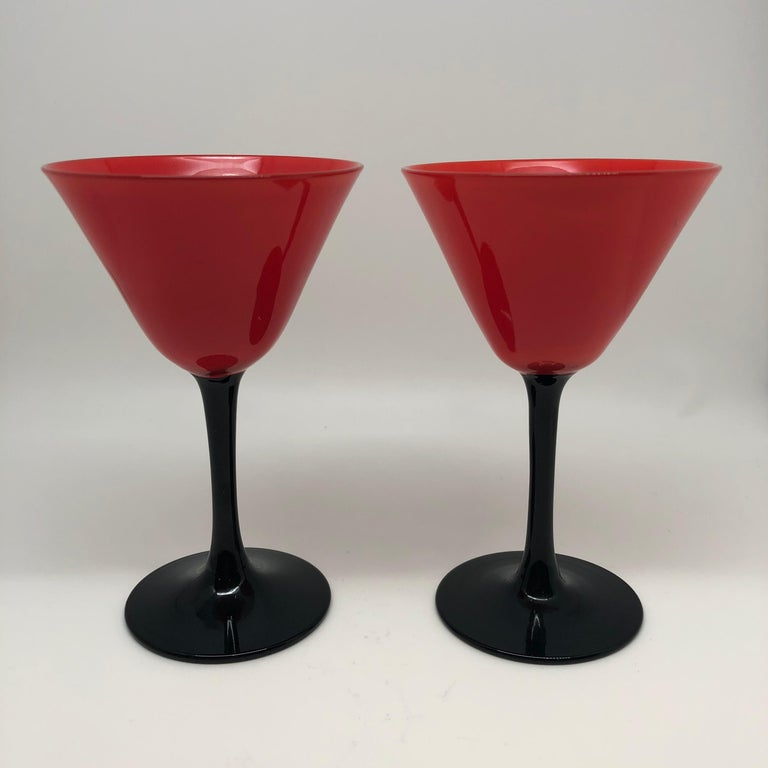 American Set of 11 Pairpoint Art Deco Stemware Glasses with Red Tops and Black Stems For Sale