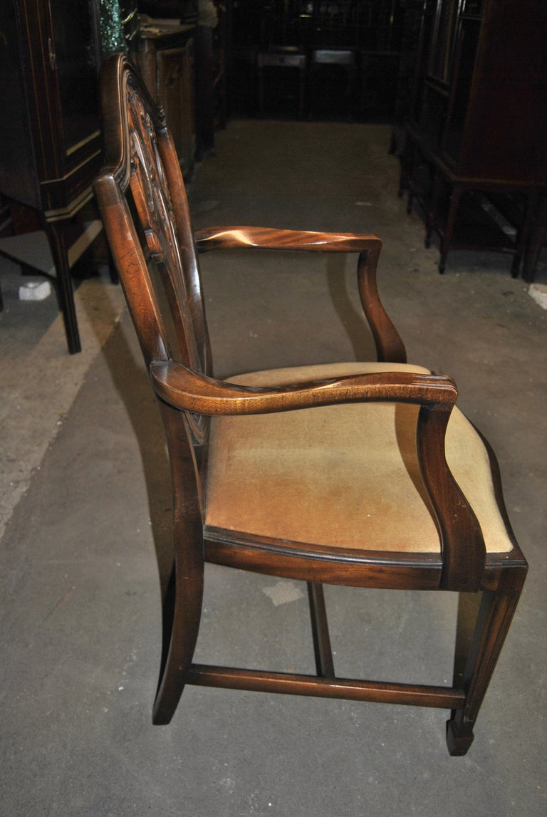 Set of 12 20th Century English Mahogany Hepplewhite Style Shield Back Chairs In Good Condition For Sale In Savannah, GA