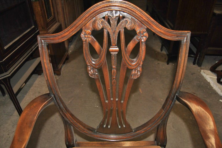 Set of 12 20th Century English Mahogany Hepplewhite Style Shield Back Chairs For Sale 1