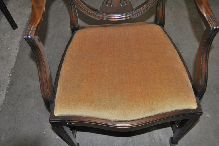 Set of 12 20th Century English Mahogany Hepplewhite Style Shield Back Chairs For Sale 2