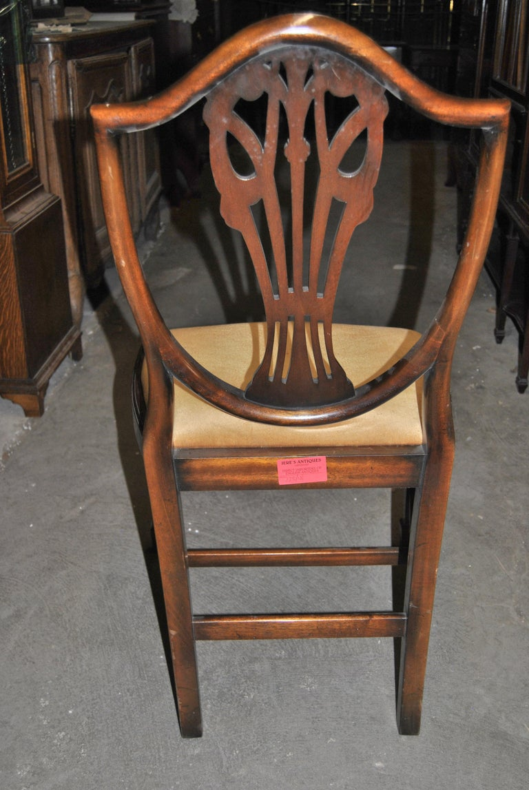 Set of 12 20th Century English Mahogany Hepplewhite Style Shield Back Chairs For Sale 5