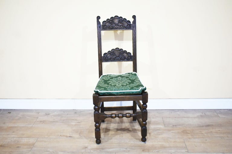 Set of 12 Carved Oak Dining Chairs In Good Condition For Sale In Chelmsford, Essex