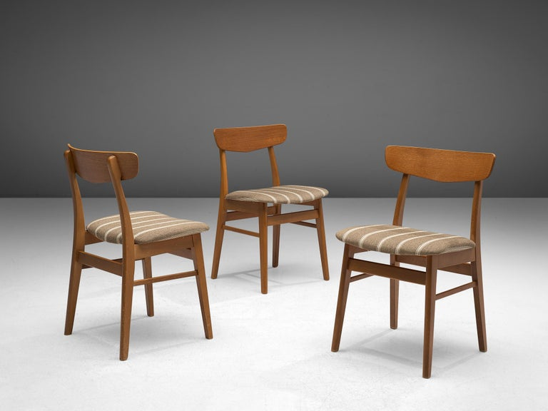 Set of 12 Danish Dining Chairs in Teak In Good Condition For Sale In Waalwijk, NL