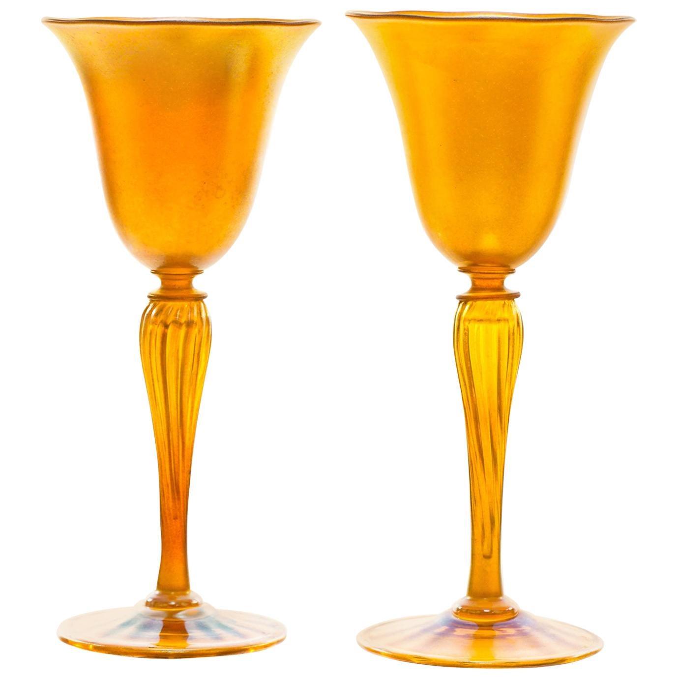 Set of 12 Durand Gold Lustre Art Glass Water Goblets