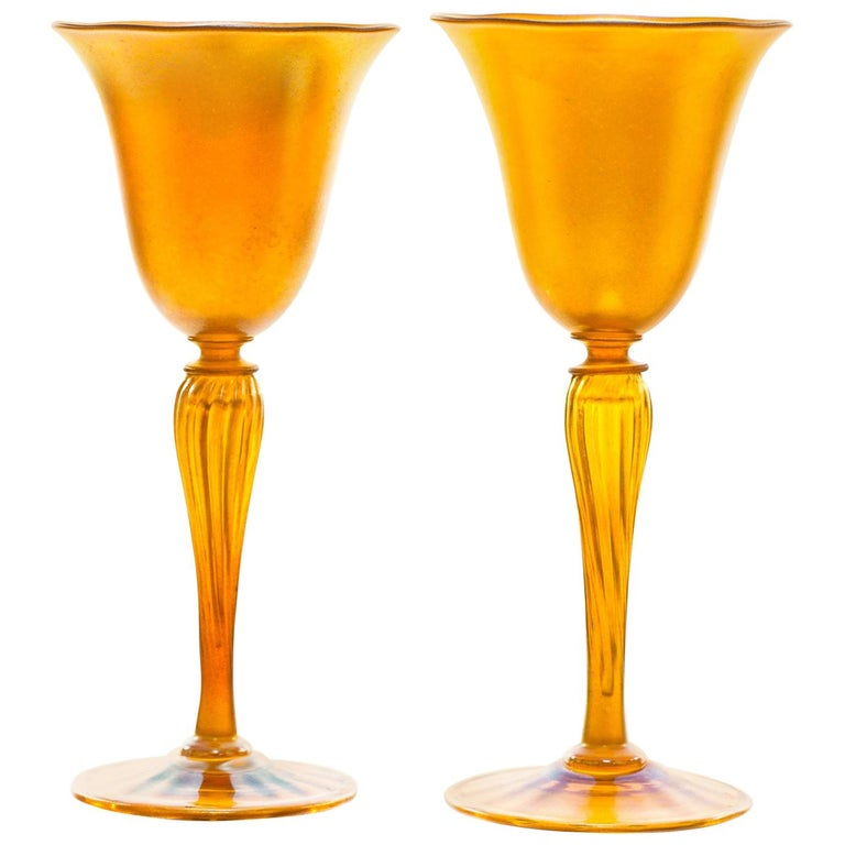 Set of 12 Durand Gold Lustre Art Glass Water Goblets For Sale