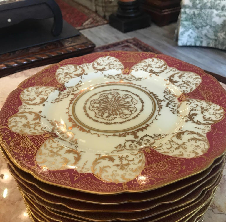 Set of 12 Elaborate Gilt Service Dinner Plates In Excellent Condition For Sale In Lambertville, NJ