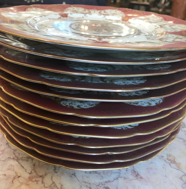 Early 20th Century Set of 12 Elaborate Gilt Service Dinner Plates For Sale