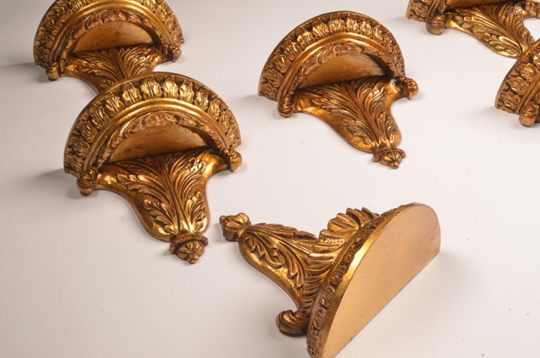 Set of 12 Hand Carved Giltwood Wall Brackets in French Rococo Style In Good Condition For Sale In Ulestraten, Limburg