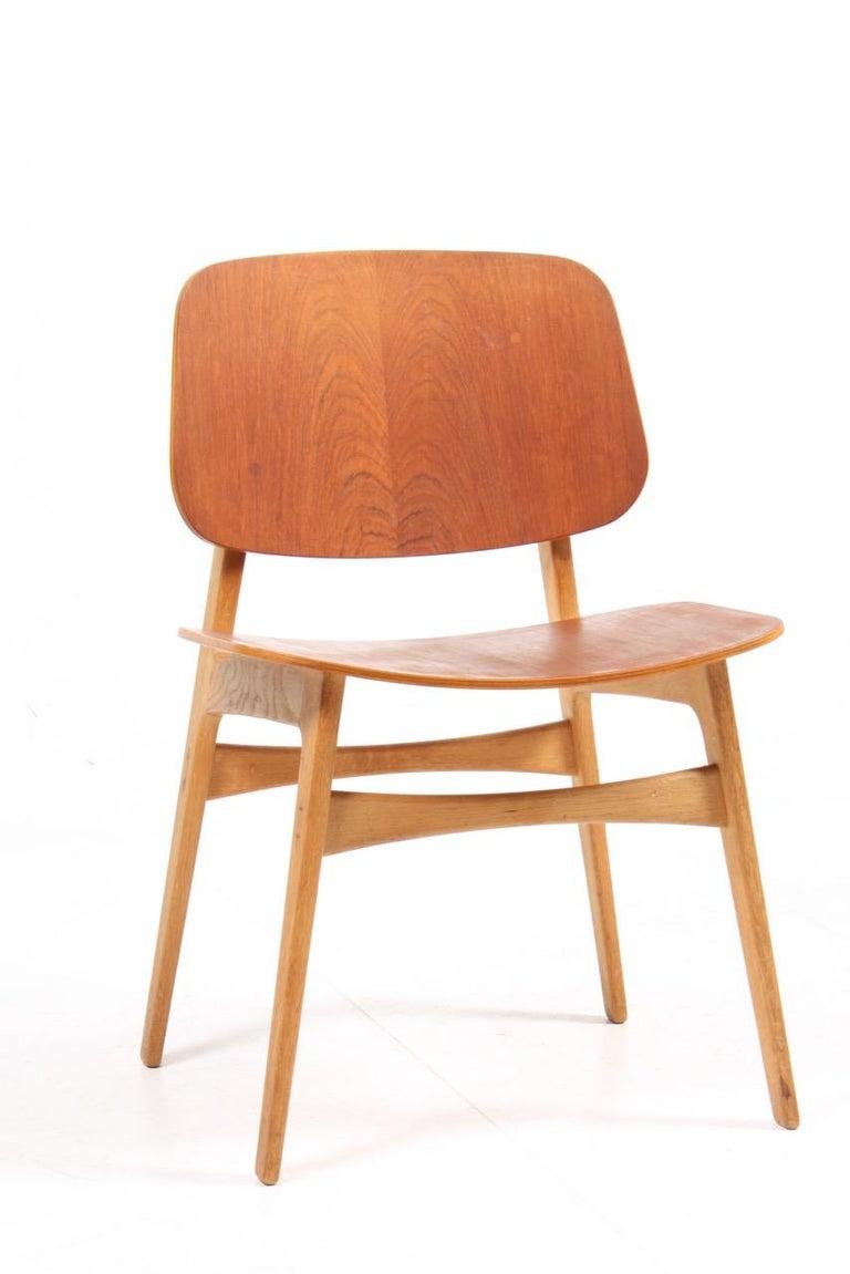 Scandinavian Modern Set of 12 Midcentury Side Chairs in Teak and Oak by Børge Mogensen