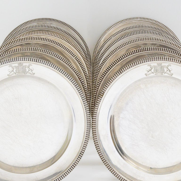 Set of 12 Silver Dinner Plates by Paul Storr In Good Condition For Sale In Fingest, Oxfordshire