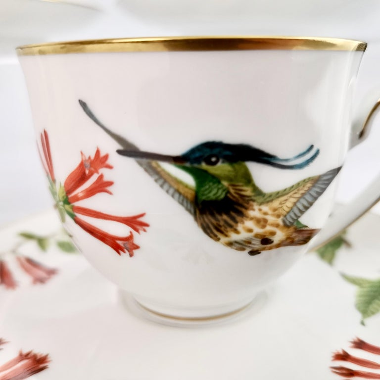 Set of 12 Vintage Bavaria Cups and Saucers, Hummingbirds of the World, 1979 For Sale 8