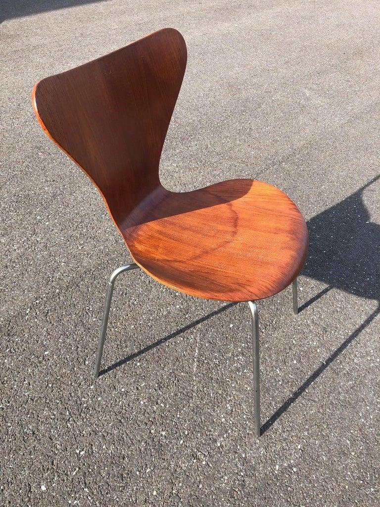 Set of 13 Teak Chairs Design Arne Jacobsen For Sale 2