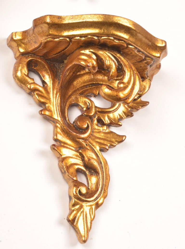 Set of 15 hand carved giltwood wall brackets in French Rococo style.  Stijl; Rococo of lodewijk 15.  Age; 20th century.  Measures: Hoog; 16 cm. breed; 13 cm diep; 7 cm.