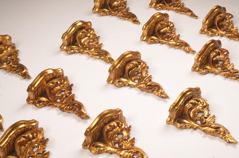 Set of 15 Hand Carved Giltwood Wall Brackets in French Rococo Style In Good Condition For Sale In Ulestraten, Limburg