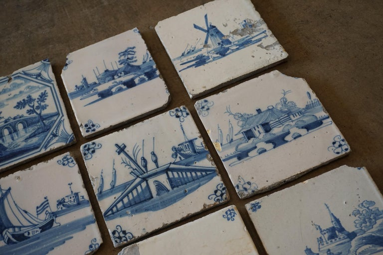Set of 17 French Tiles, circa 1680 In Good Condition For Sale In Dallas, TX