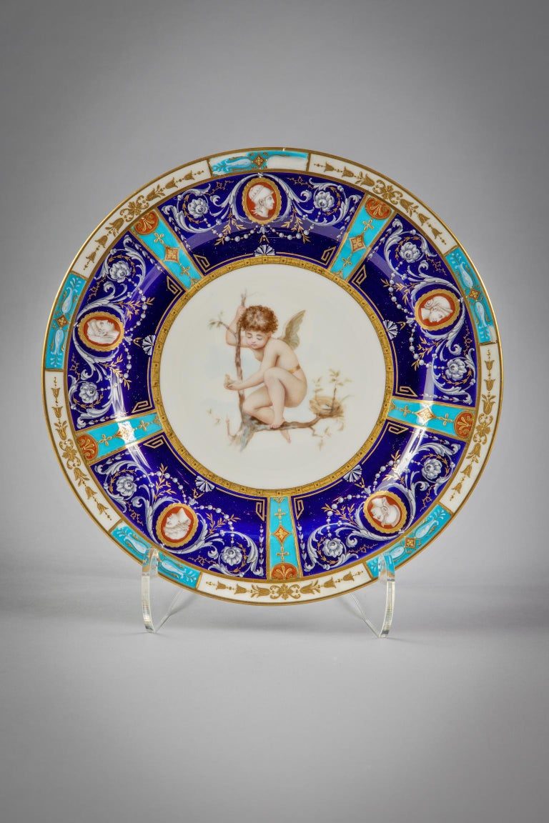 Set of 18 English Porcelain Plates, Minton, circa 1880 In Good Condition For Sale In New York, NY
