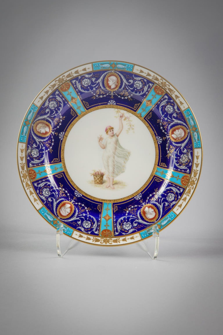 Set of 18 English Porcelain Plates, Minton, circa 1880 For Sale 5
