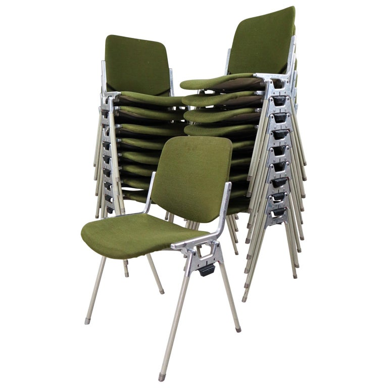 Set of 18 Olive Green Castelli DSC 106 Stacking Chairs by Giancarlo Piretti 1965 For Sale