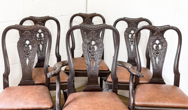 Chippendale Set of 19th Century Country House Carved Mahogany and Leather Dining Chairs For Sale
