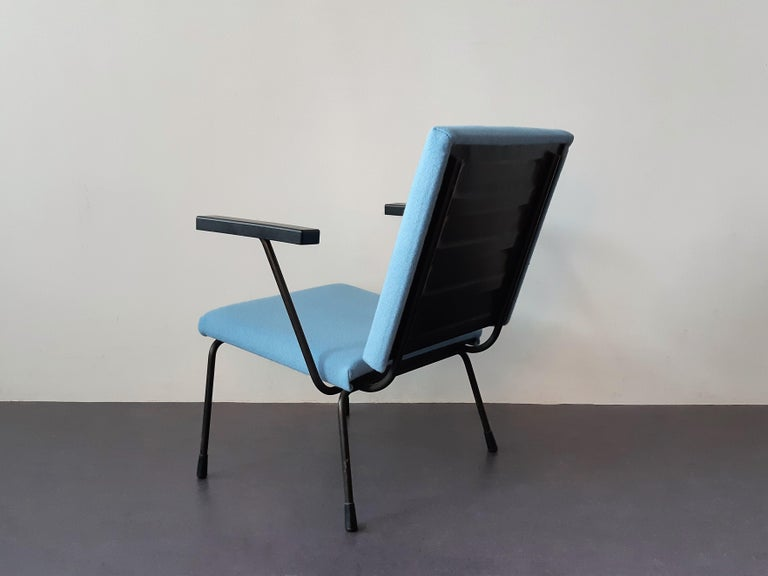 Set of 2 '415' Lounge Chairs by Wim Rietveld for Gispen, The Netherlands 1950's In Good Condition For Sale In Steenwijk, NL