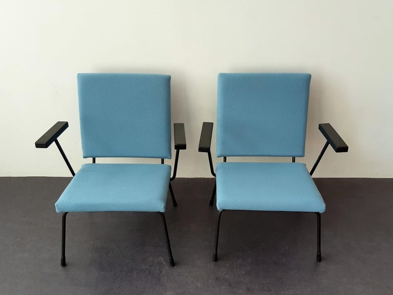Mid-20th Century Set of 2 '415' Lounge Chairs by Wim Rietveld for Gispen, The Netherlands 1950's For Sale