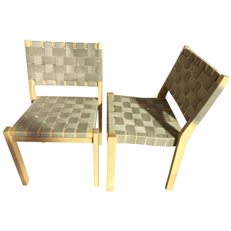 Set of 2 Artek Beige 611 Chairs For Sale