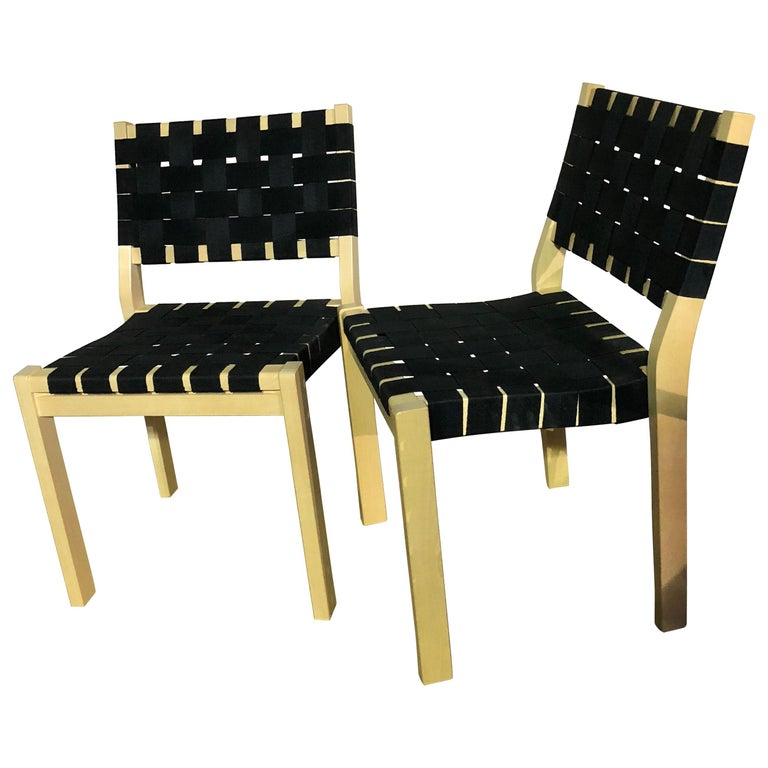Set of 2 Artek Black 611 Chairs For Sale