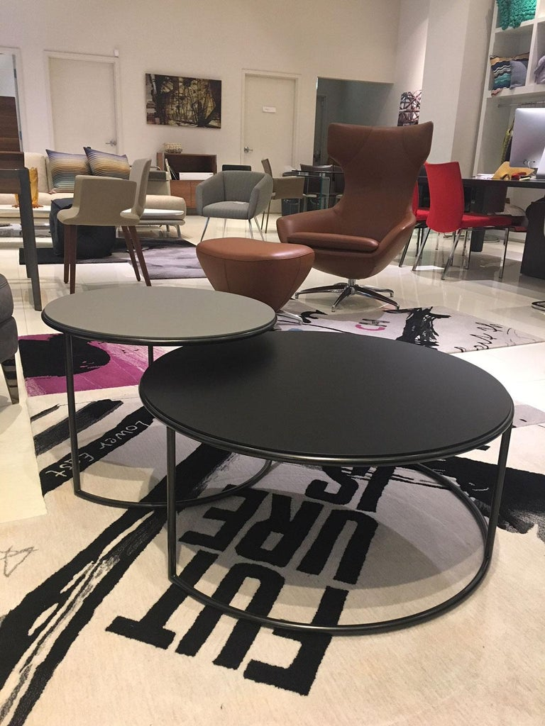 Modern Set of 2 Contemporary Round Black and Grey Matt Lacquered Nesting Tables For Sale