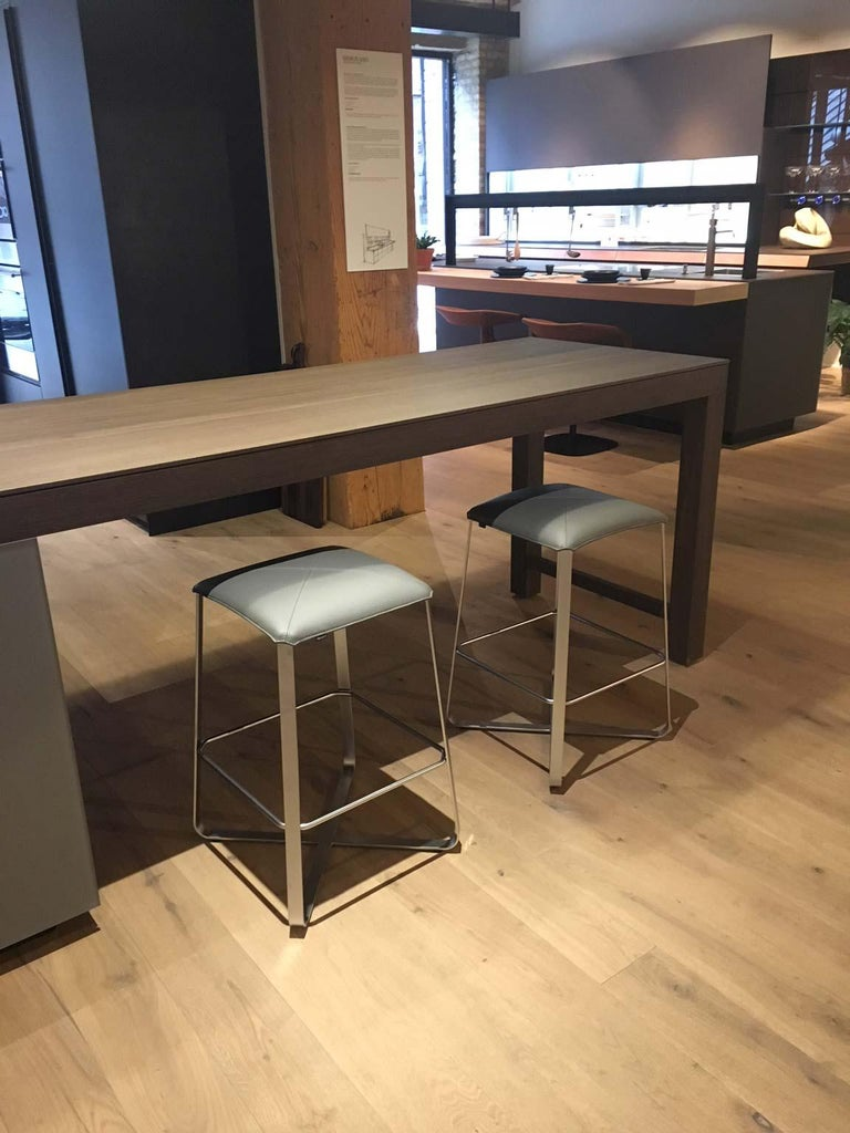 Set of 2 Counter Stools with Grey Leather Seat & Matt Chrome Plated Steel Frame In Excellent Condition For Sale In Chicago, IL