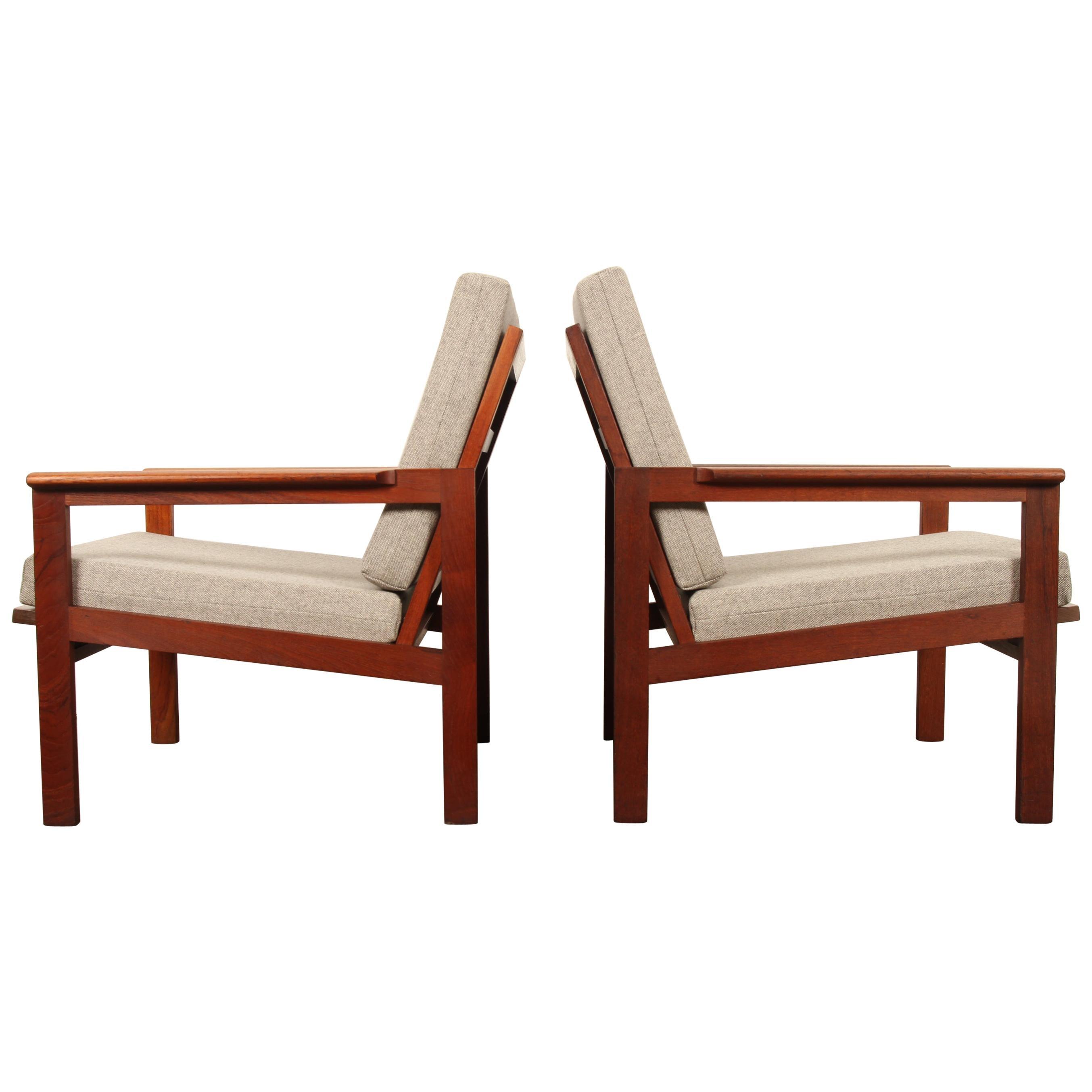 Set of 2 Danish Capella Lounge Chairs in Teak