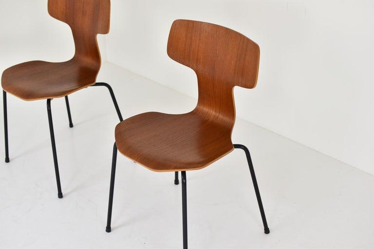 Scandinavian Modern Set of 2 Early 'Hammer' Chairs by Arne Jacobsen for Fritz Hansen, Denmark 1960's For Sale
