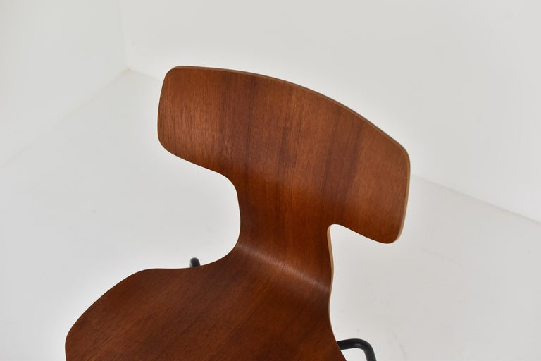 Mid-20th Century Set of 2 Early 'Hammer' Chairs by Arne Jacobsen for Fritz Hansen, Denmark 1960's For Sale