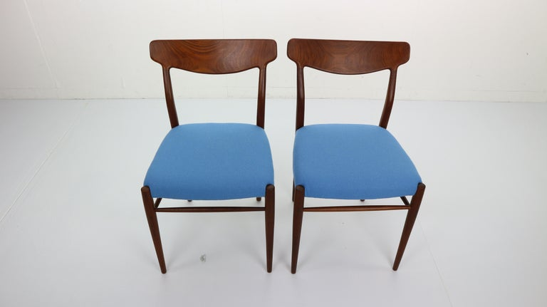 Set of 2 Harry Østergaard Teak Chairs, Denmark, 1960s For Sale 1