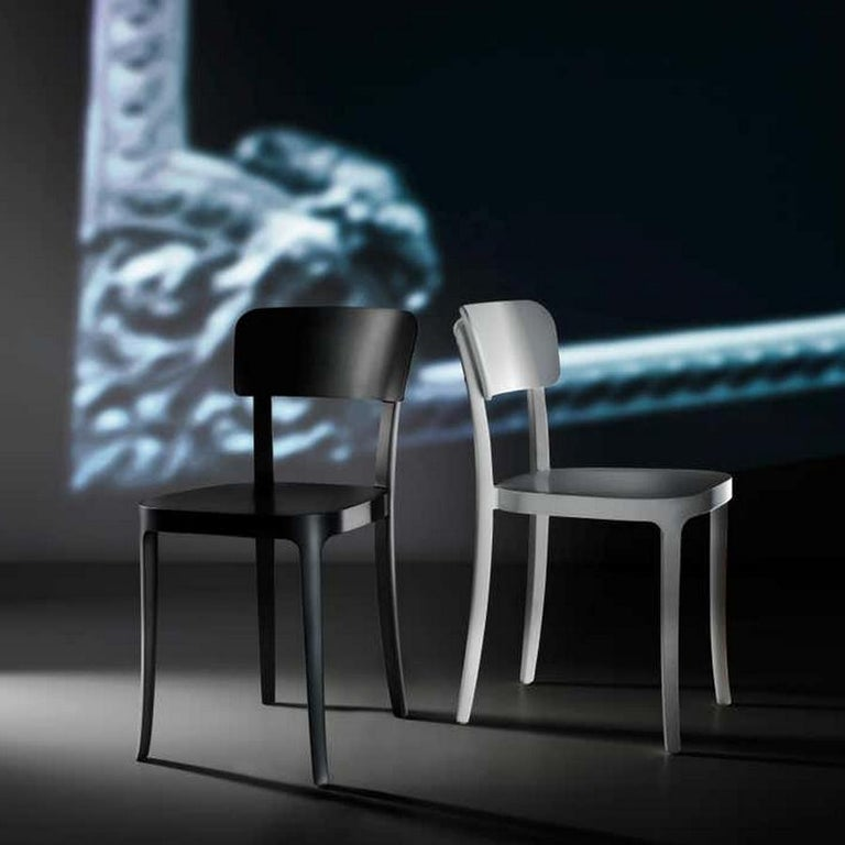 In Stock in Los Angeles, Set of 2 K Black Dining Chairs, Made in Italy In New Condition For Sale In Beverly Hills, CA