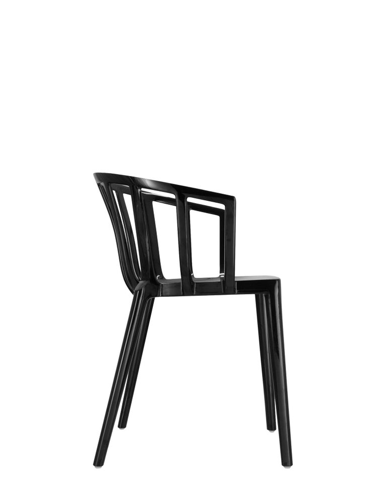 Modern Set of 2 Kartell Venice Chairs in Black by Philippe Starck For Sale