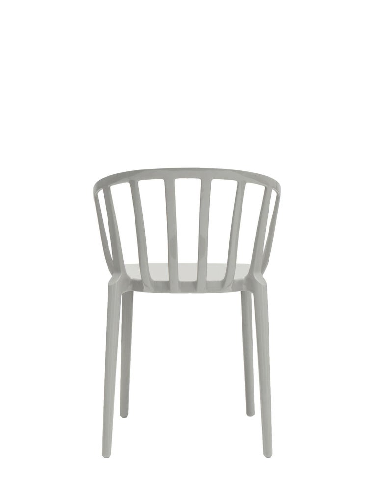 Italian Set of 2 Kartell Venice Chairs in Grey by Philippe Starck For Sale