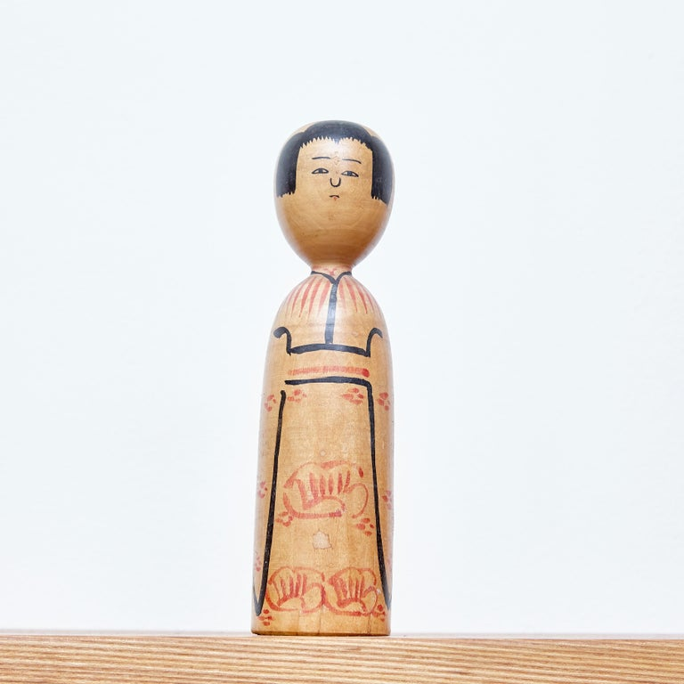 20th Century Set of 2 Kokeshi Japanese Wood Hand Painted Doll For Sale