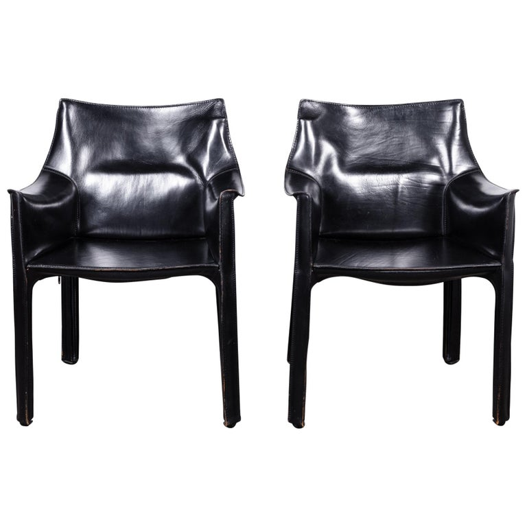 Set of 2 Mario Bellini CAB 414 Chairs in Black Leather for Cassina For Sale