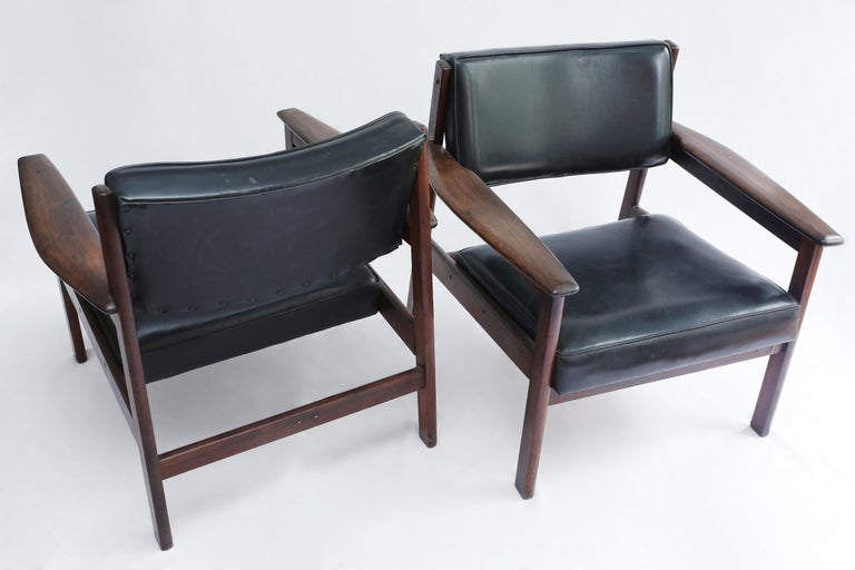Mid-20th Century Set of 2 Mid-Century Modern Drummond Armchair by Sergio Rodrigues, Brazil, 1950s For Sale