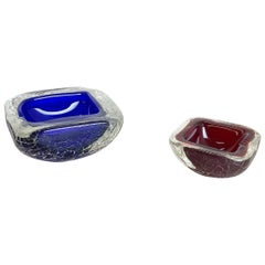 Set of 2 Murano Glass Crack Structure Bowl Shells Ashtray Element, Italy, 1970s