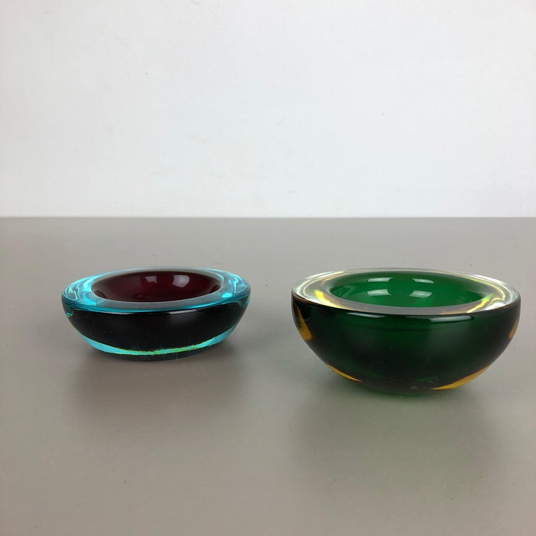 Set of 2 Murano Glass Sommerso Bowl Shells Ashtray Element, Italy, 1970s 4