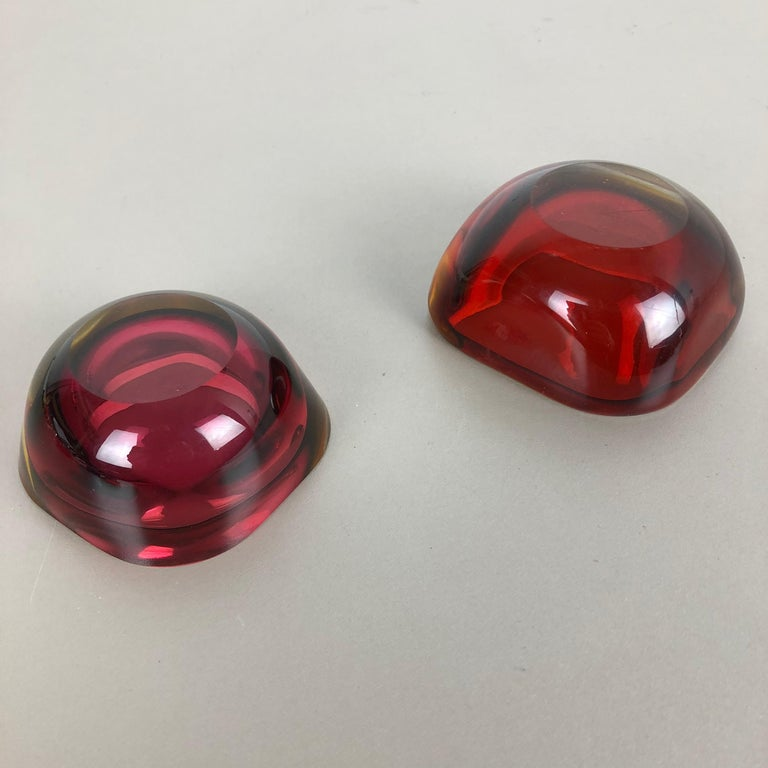 Set of 2 Murano red Glass Sommerso Bowl Shells Ashtray Element, Italy, 1970s For Sale 5