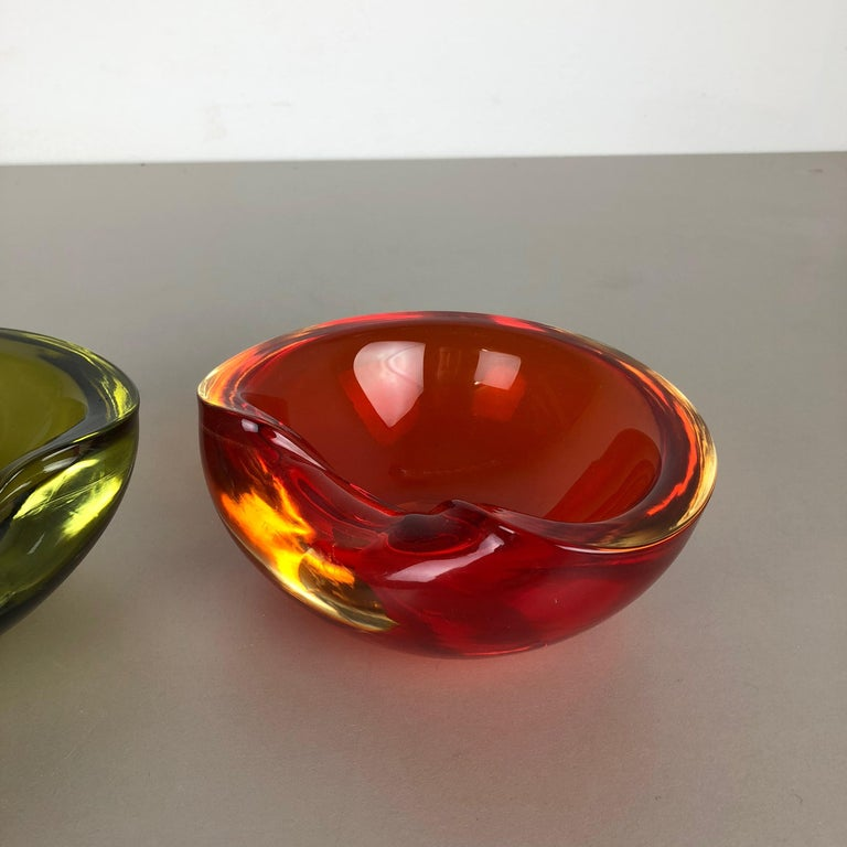 Mid-Century Modern Set of 2 New Old Stock, Murano Sommerso Glass Shell Bowl Cenedese Vetri, 1960s For Sale