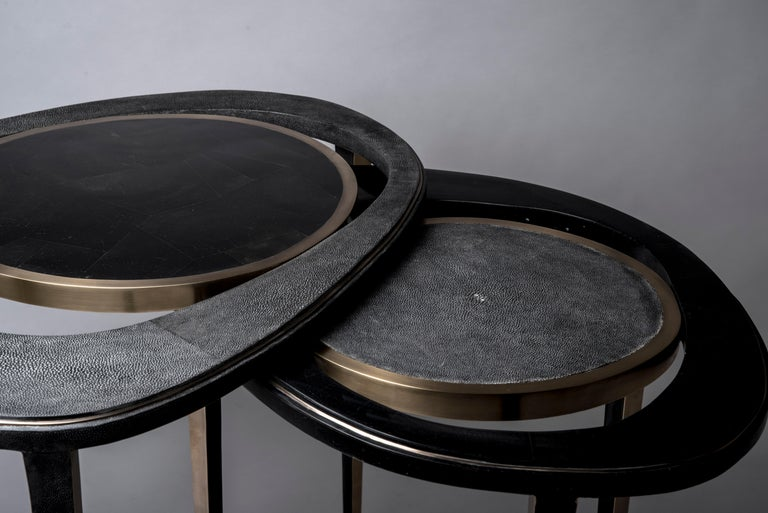 Art Deco Set of 2 Peacock Nesting End Table in Black Shagreen Shell Brass by R&Y Augousti For Sale